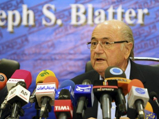 """Blatter ironiza: """"¿por qué no un Mundial con 128 equipos?"""" (Video)"""