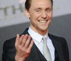 Tom Hiddleston es un villano de altura contra Thor