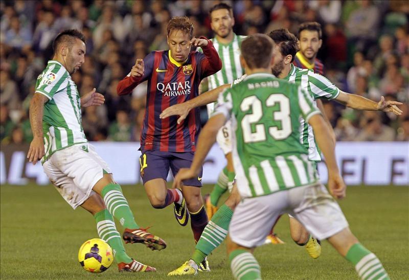 El Barça sigue lider al golear al Betis