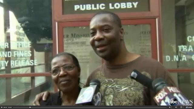 Lo absuelven de su crimen tras pasar 34 años  en la cárcel