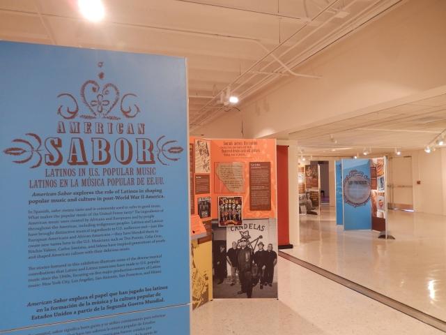 Aspecto general de la exhibición 'American Sabor: Latinos en la música popular de EEUU'.