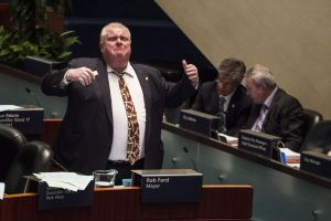 """Toronto le quita poderes a su alcalde fuma """"crack"""""""