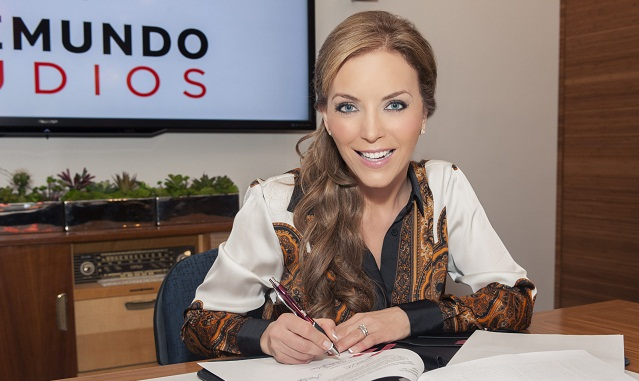 Laura Flores firma con Telemundo
