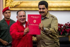Más poder a Maduro