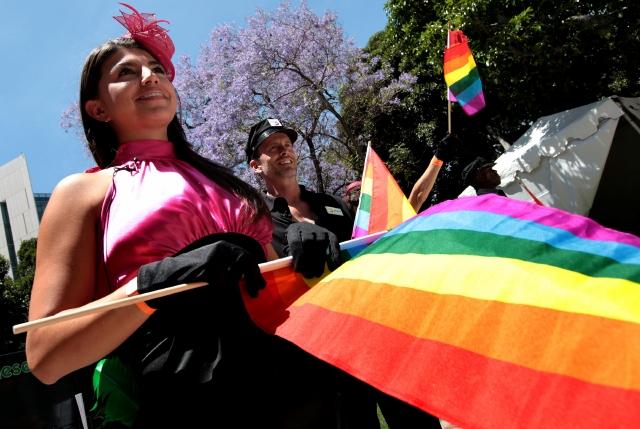 Ayudando a la comunidad LGBT