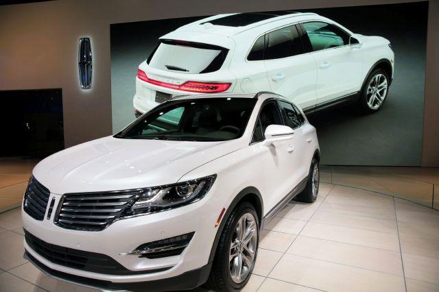 Ford muestra tendencias en sus autos en LA Auto Show