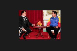 """Juan Gabriel le canta """"Las mañanitas"""" a Nicolás Maduro"""