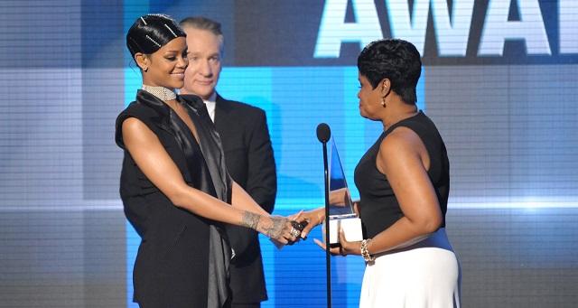 Rihanna recibe premio especial en los American Music Awards