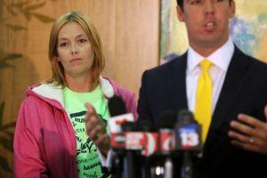 Madre impulsa ley Rebecca contra el acoso cibernético