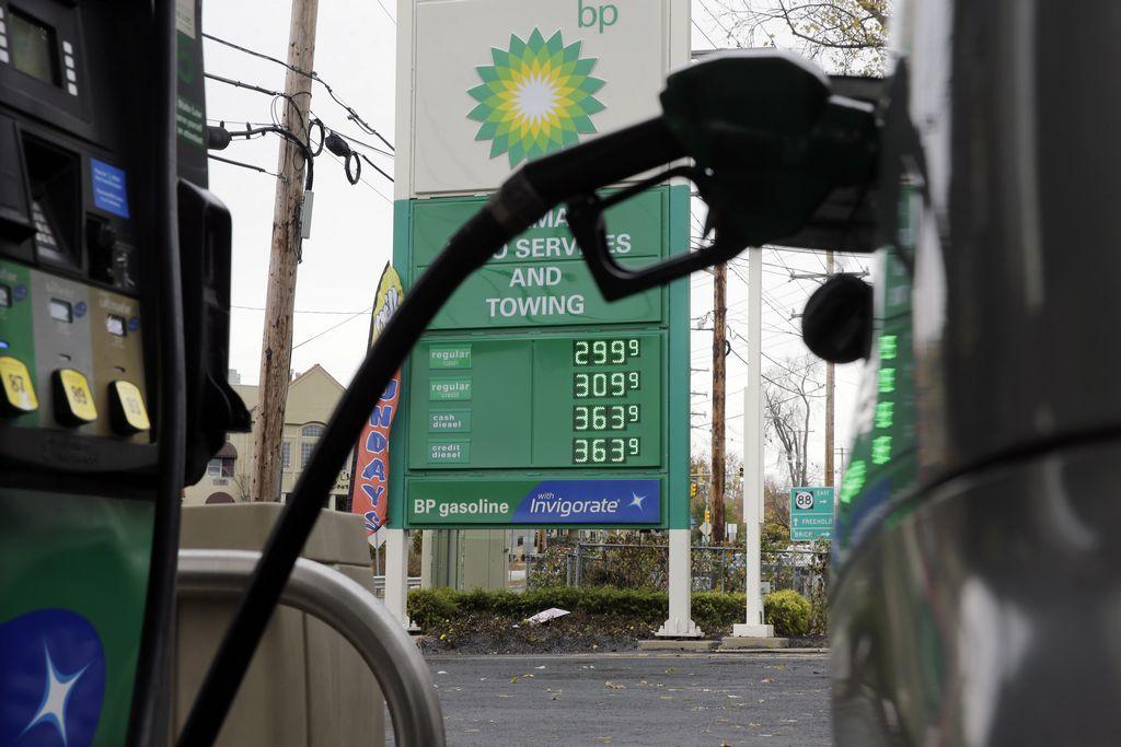 Los republicanos reúnen firmas suficientes para llevar a votación el impuesto a la gasolina en California