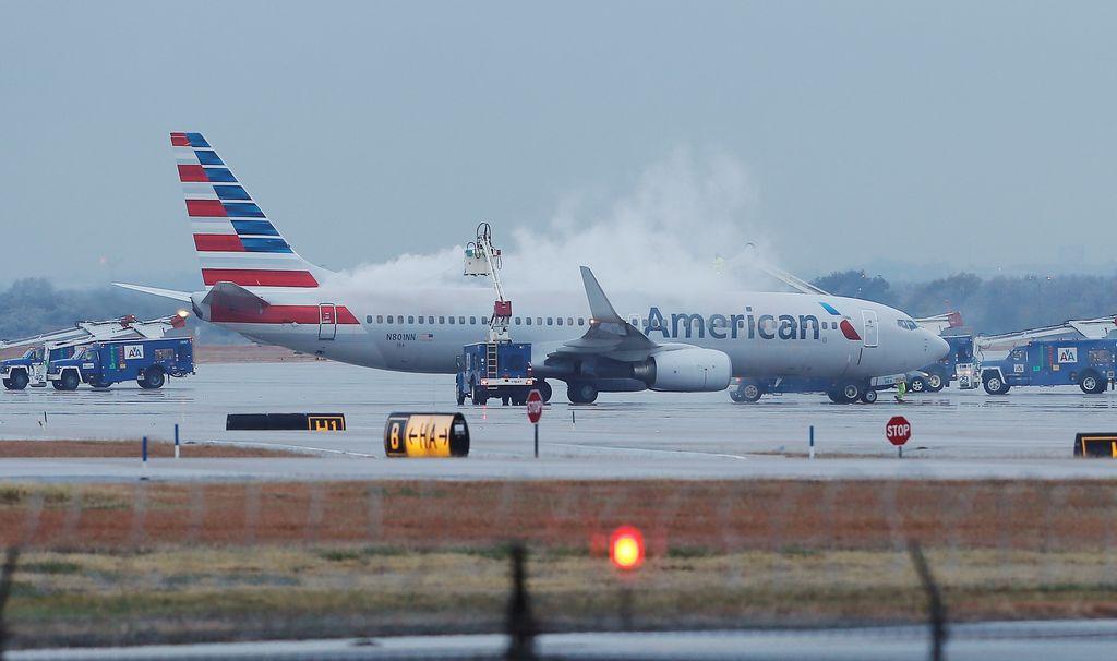 Más que la nieve, lo que se espera que afecte los vuelos el miércoles son los fuertes vientos y lluvias.