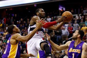 John Wall y Wizards superan a los Lakers