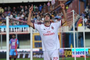 Milan gana al Catania con un gol de Kaká