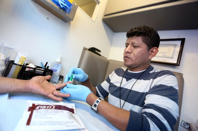 Latino el rostro del VIH en Los Ángeles