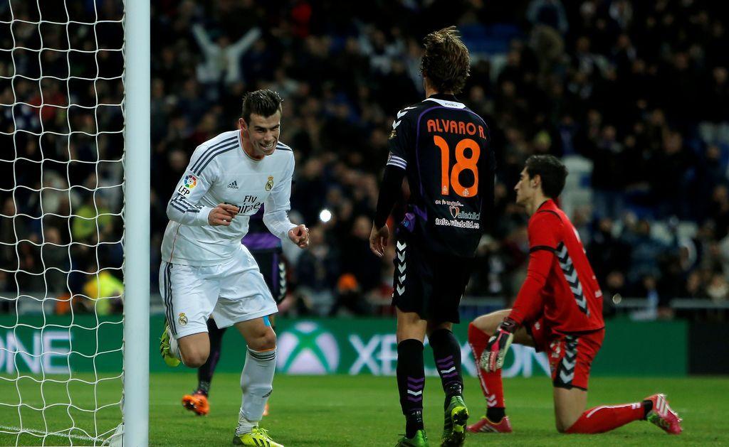 Multan a Real Madrid y Barcelona por transmisión de TV