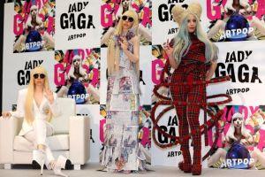 Lada Gaga presenta muñecas hechas a su semejanza