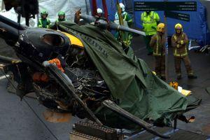 Retiran restos del helicóptero que se estrelló en Glasgow
