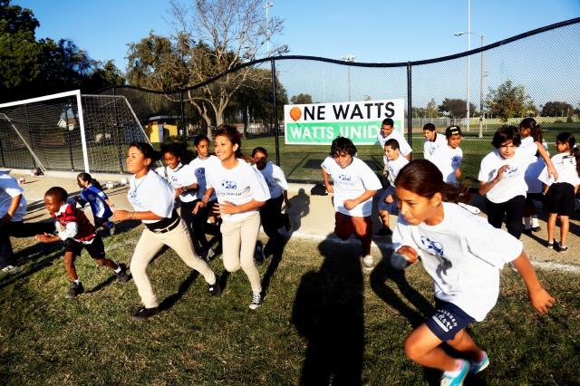 Luchan por espacios verdes para los niños de LA