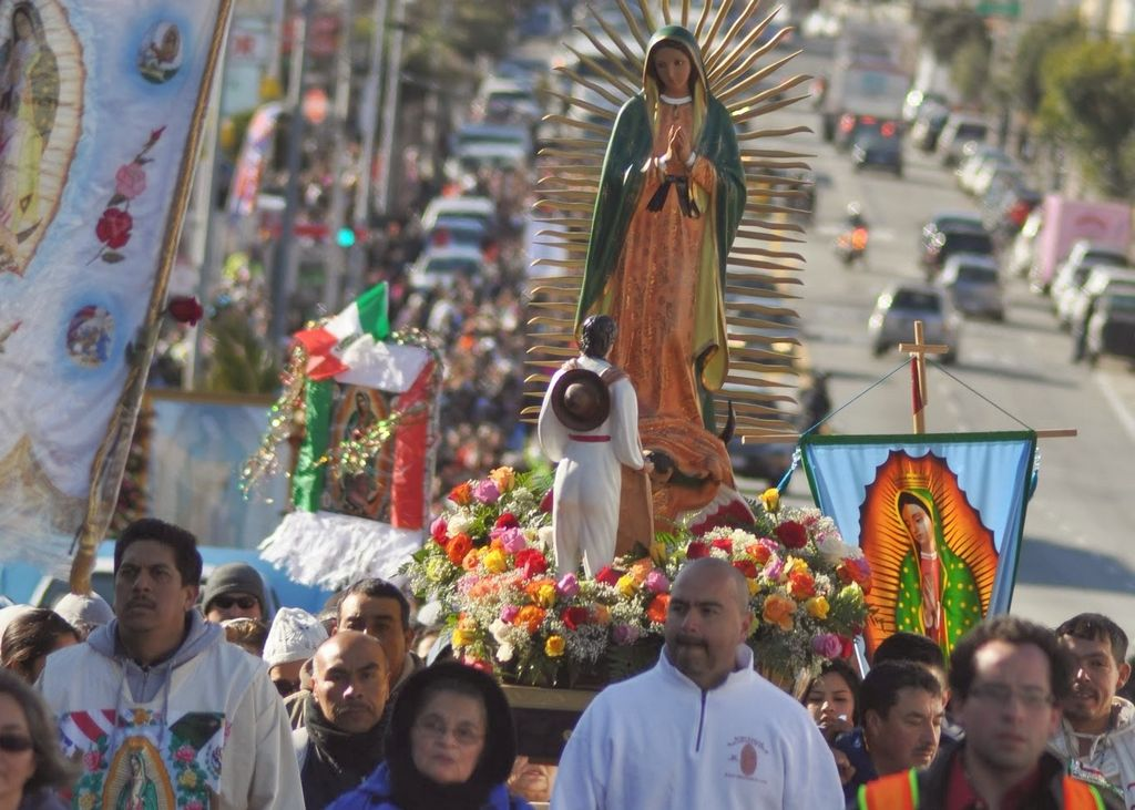 Desde distintos condados del Área de la Bahía, miles llegaron a verenar a la Virgen de Guadalupe en  peregrinaje por calles de San Francisco.
