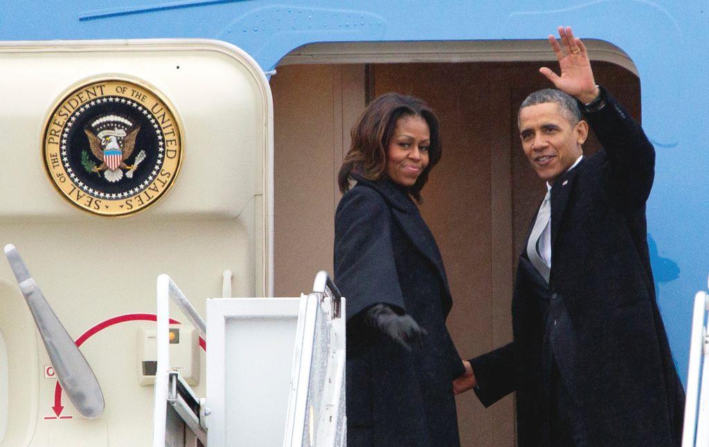 Obama y Bush parten a Sudáfrica para funeral de Mandela (fotos)