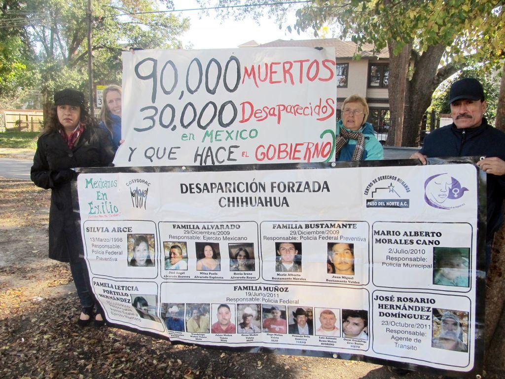 Activistas ayudan a familias mexicanas a buscar asilo político en Houston
