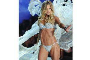 Ángeles de Victoria's Secret seducen con 'twerking' (video)