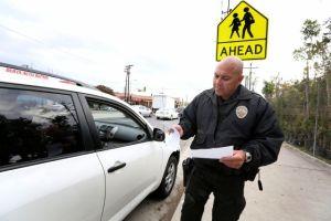 Policías de LAPD que demandaron a la ciudad por multas forzadas recibirán casi $6 millones