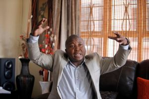 """Intérprete falso vio """"ángeles"""" en funeral de Mandela"""