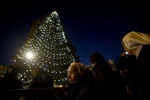 Papa dará tarjetas telefónicas y de metro en Navidad