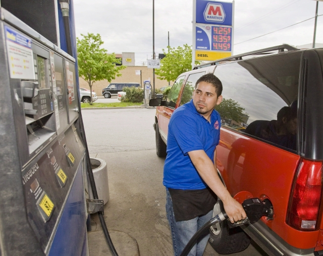 Esperan anuncio oficial para refinar gasolina en México