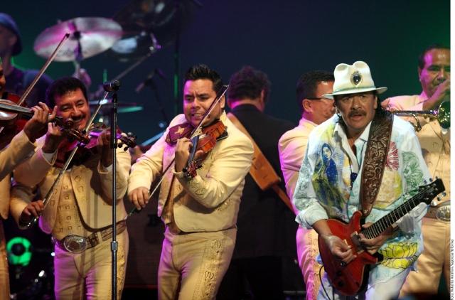 Carlos Santana quiere que 'vivamos con respeto'