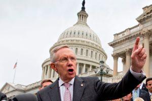 Ingresa al hospital  el senador Harry Reid para observación