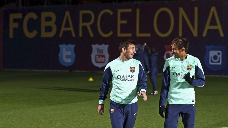 Messi ya se entrena con sus compañeros