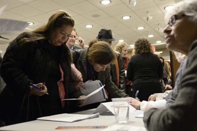 Bajan solicitudes de subsidio por desempleo en EEUU