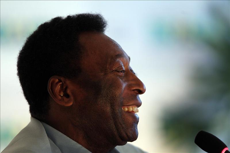 "Pelé lamenta la muerte de su ""hermano"" Eusébio"