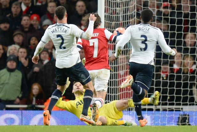 Arsenal elimina a los 'Spurs'