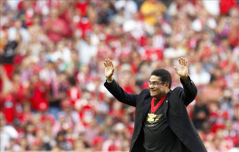 El luto por Eusébio retrasa la ceremonia de condecoración a Ronaldo