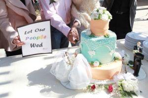 Grupo cristiano apoya panadero que negó pastel a gays