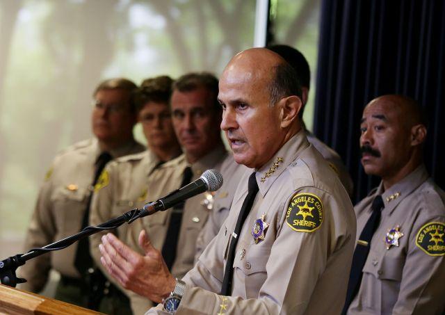 Sheriff Baca deja legado de intransigencia hacia inmigrantes