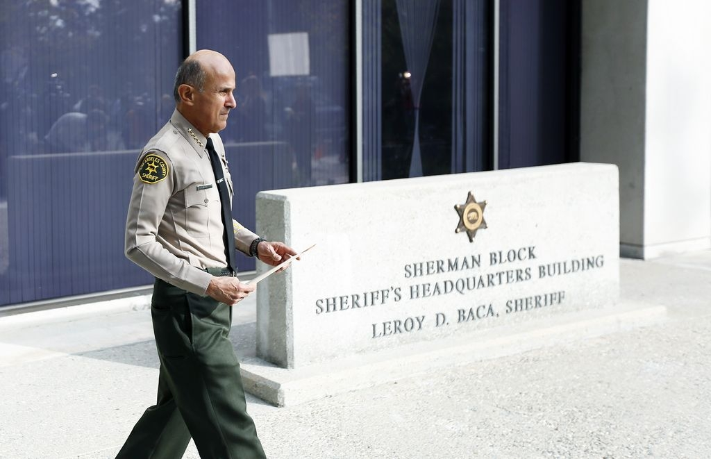 Dos interesados en sustituir al sheriff Lee Baca