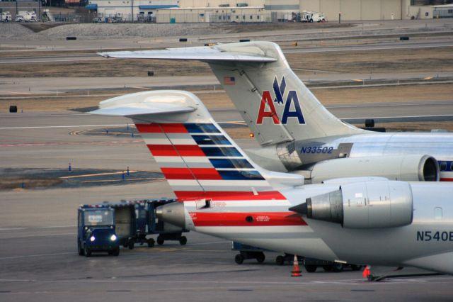 Fusión de aerolíneas anuncia beneficios a viajeros