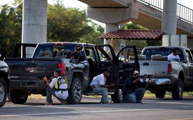 Autodefensas toman Nueva Italia en Michoacán