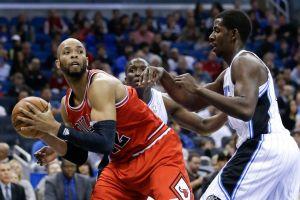 Los Bulls vencen a Magic en tres prórrogas