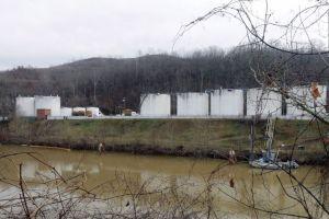 Quiebra empresa tras contaminar agua en W. Virginia