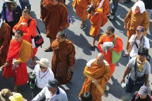 Estalla granada  en Bangkok