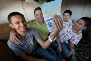 Más niños cruzan solos la frontera hacia EEUU