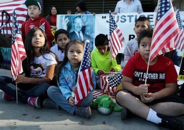 California: escuelas perdonarán ausencias para ceremonias de ciudadanía