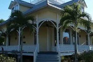 Por $1 millón venden casa embrujada en Florida