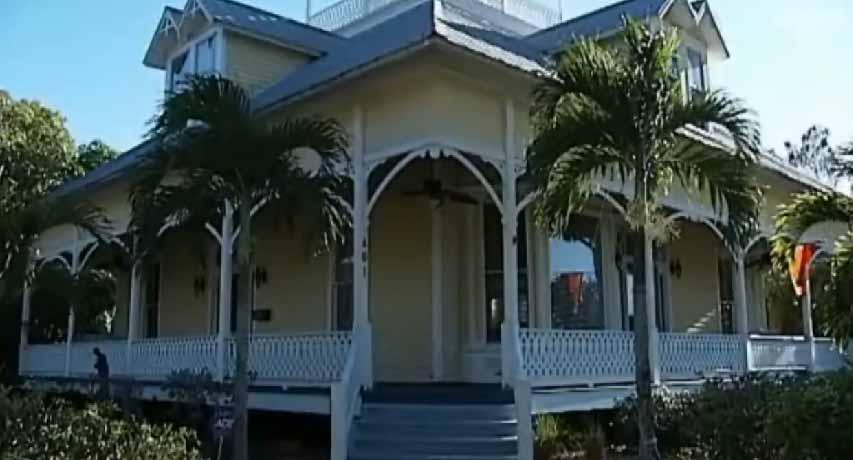 """Los dueños pusieron la residencia """"embrujada"""" a la venta porque planean mudarse de Punta Gorda."""