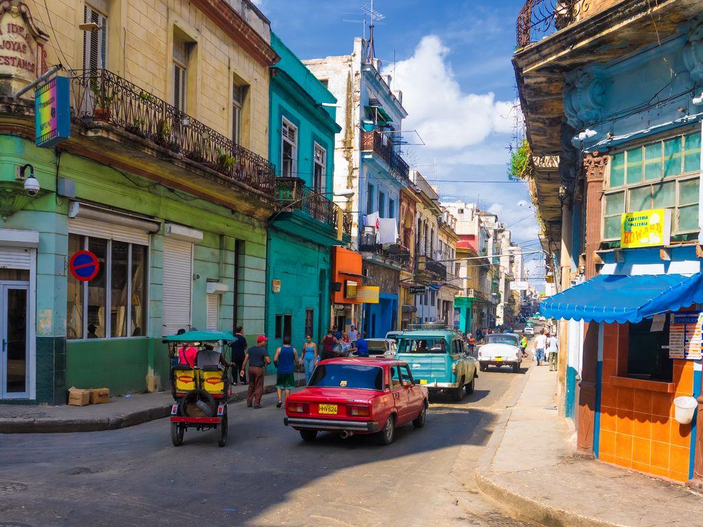 Los precios de alquiler de viviendas son inaccesibles para muchos cubanos.